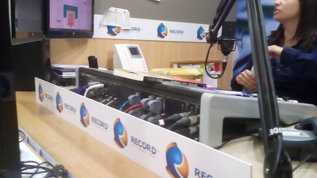 A adolescência na Record FM