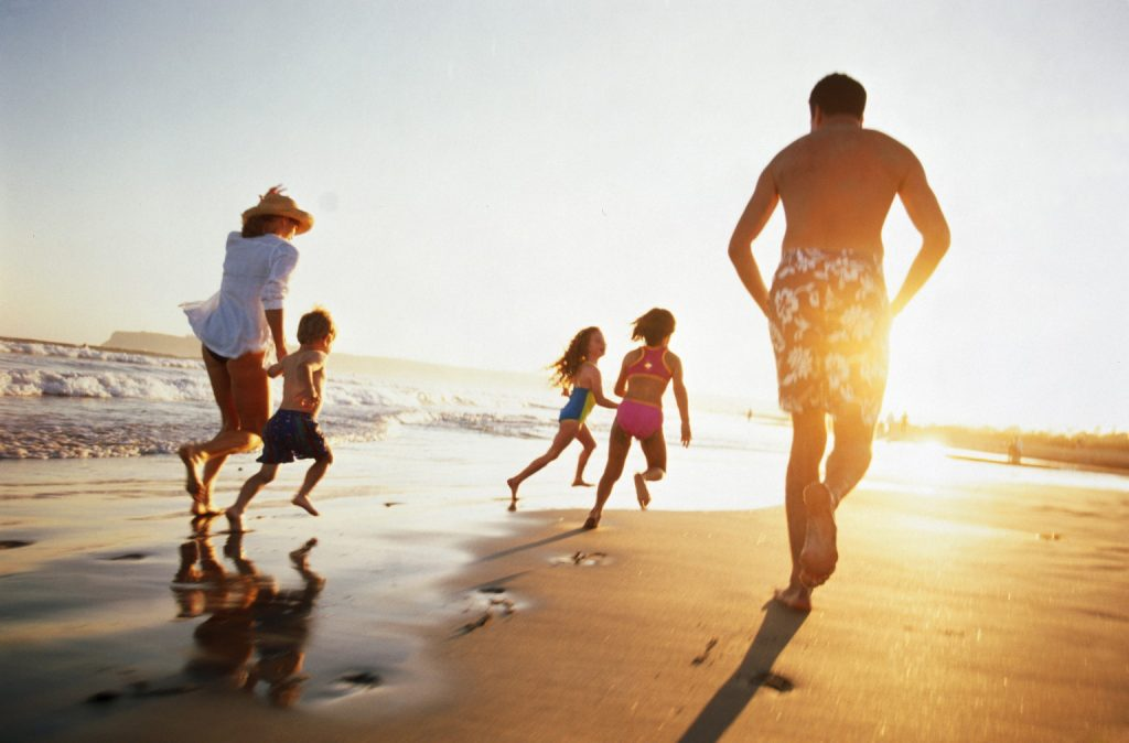 Os benefícios das férias para as crianças e para os pais